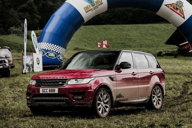 Une descente en Range Rover Sport avec The Stig