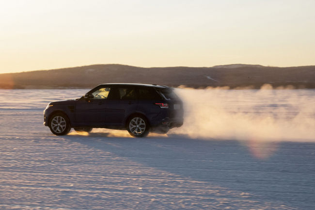 Vidéo : les accélérations du Range Rover Sport SVR