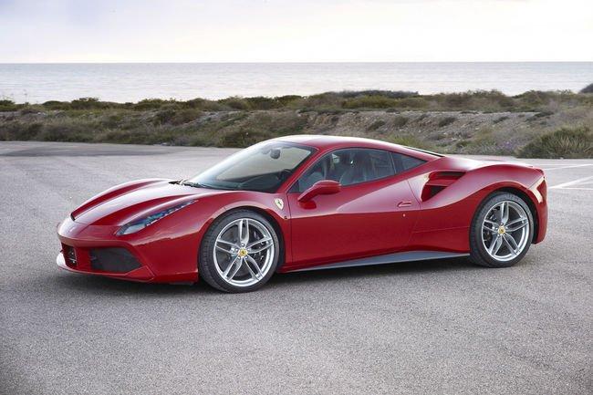 Le bloc V8 Ferrari élu moteur de l'année