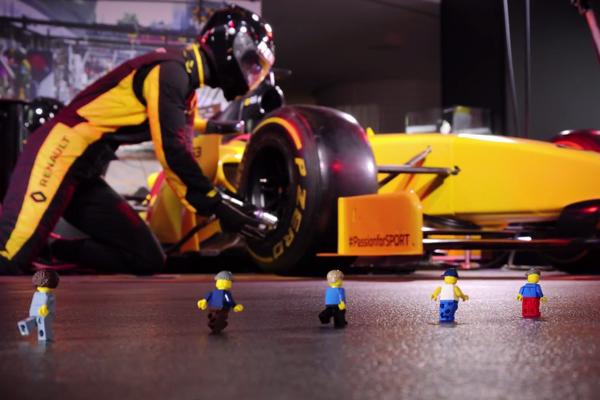 LEGO : une F1 à l'échelle 1 à l'Atelier Renault