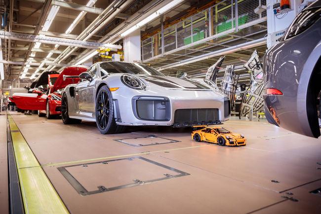 La Porsche 911 GT3 RS LEGO Technic tire sa révérence