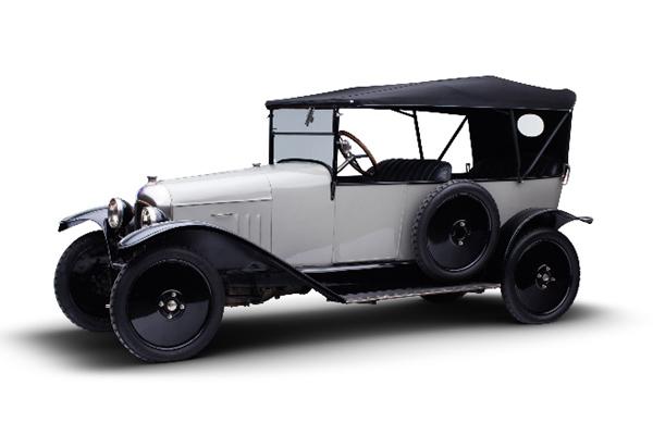 Les 100 ans de Citroën fêtés à Époqu'auto
