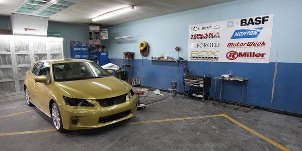 Une Lexus CT200h préparée à NY