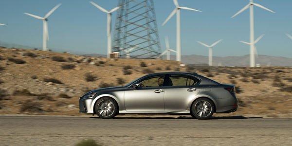 Léger restylage pour la Lexus GS