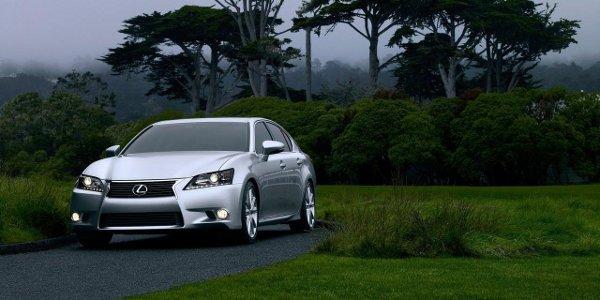 Lexus présente la nouvelle GS 250