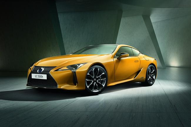Lexus LC Yellow Edition : solaire