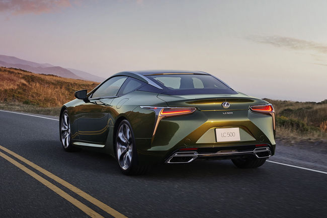 Nouveau coupé Lexus LC Kaki Edition