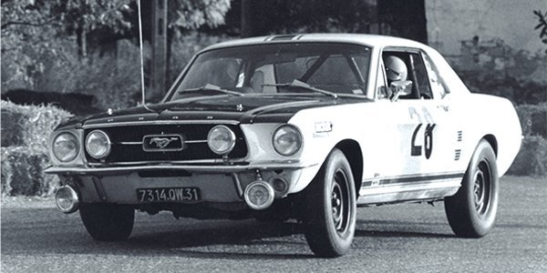 Livre : Ford Mustang en compétition
