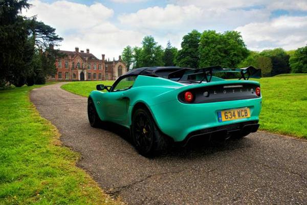 Nouvelle Lotus Elise Cup 250