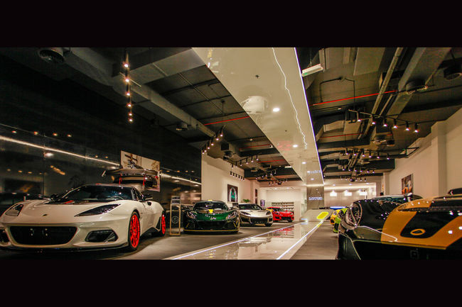 Lotus ouvre son premier showroom à Dubaï