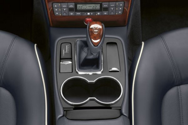 la maserati quattroporte s 39 automatise actualit. Black Bedroom Furniture Sets. Home Design Ideas