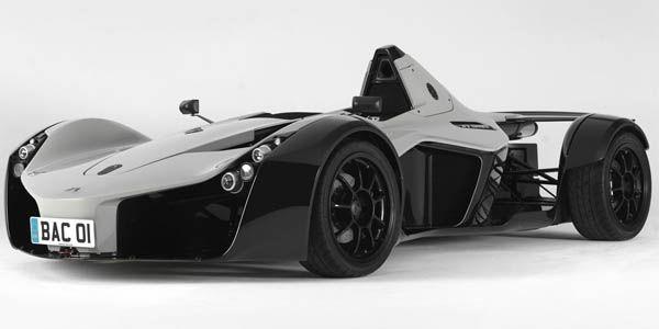 BAC Mono Vs McLaren P1 à Silverstone