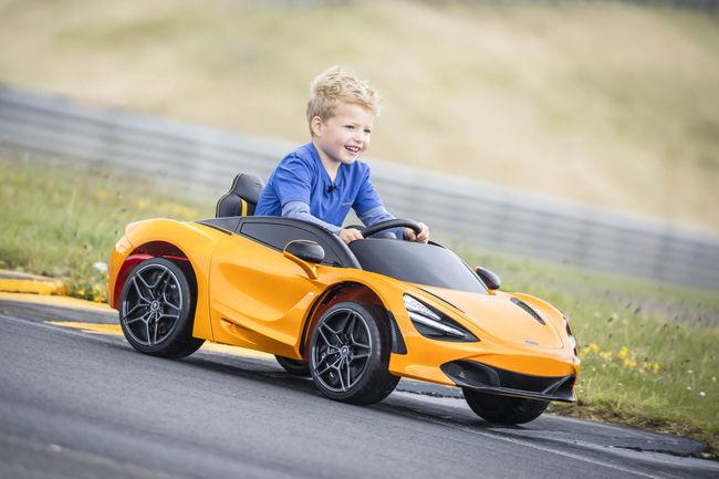 McLaren 720S Ride-On : pour les enfants