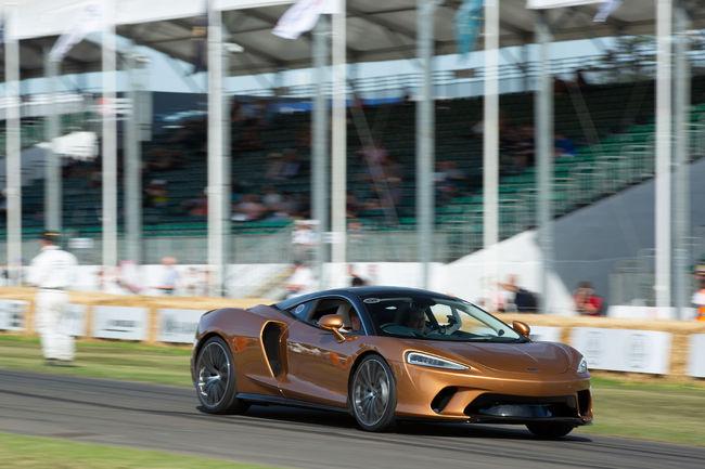 McLaren GT : débuts dynamiques à Goodwood