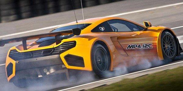 La McLaren MP4-12C GT3 en piste
