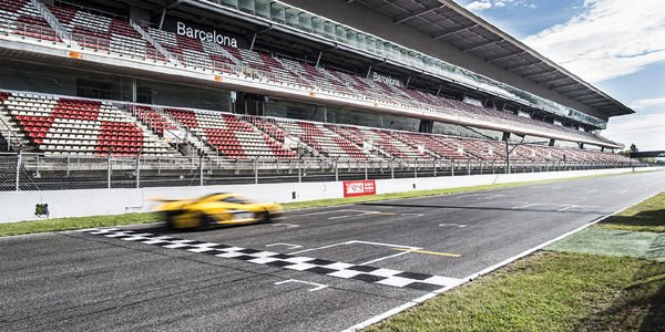 Lancement du McLaren P1 GTR Driver Programme