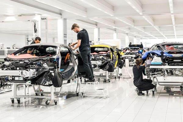 McLaren : 18 nouveaux modèles d'ici à 2025