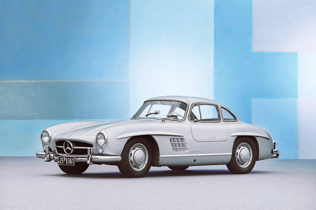 mercedes r introduit des l ments de carrosserie de la 300 sl gullwing actualit automobile. Black Bedroom Furniture Sets. Home Design Ideas