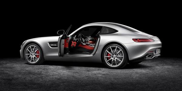 Mercedes-AMG dévoile sa GT