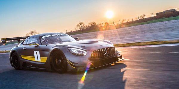 La Mercedes-AMG GT3 entre en piste