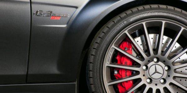 La Mercedes C63 AMG fait de la gonflette