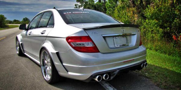 Mercedes C63 AMG by Akrapovic