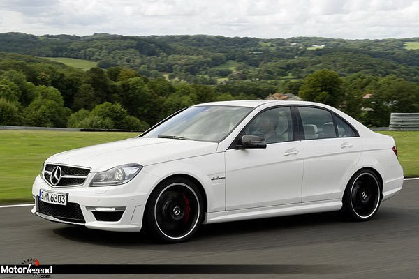 mercedes c63 amg le facelift actualit automobile. Black Bedroom Furniture Sets. Home Design Ideas