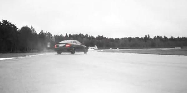 V8 magique : 1mn de Mercedes C63 AMG