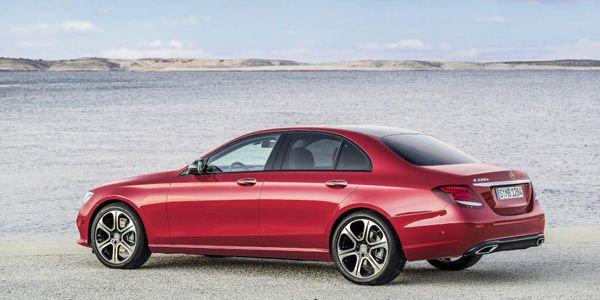 Mercedes dévoile sa nouvelle Classe E à Detroit