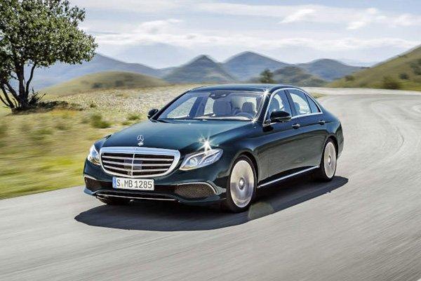 Mercedes d voile sa nouvelle classe e detroit for Classe e interieur 2016