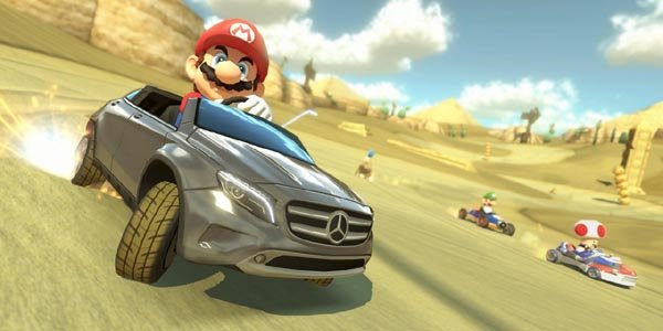 Super Mario roule en Mercedes GLA