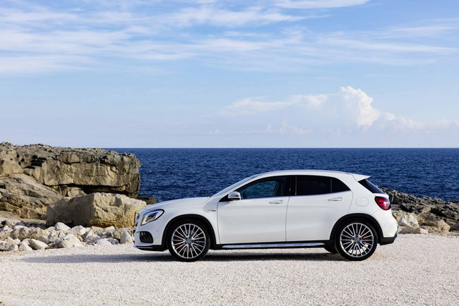 Le Mercedes GLA passe au restylage