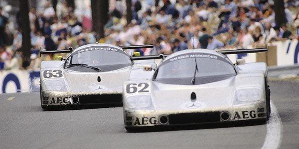 Mercedes célèbre la course à Rétromobile