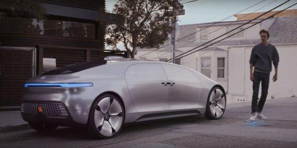 Mercedes rend hommage à Retour vers le Futur