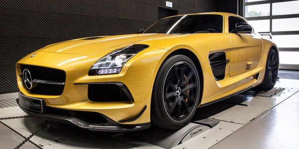 Mcchip-DKR s'occupe (timidement) de la Mercedes SLS Black Series