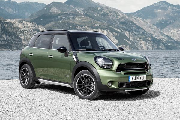 le mini countryman s 39 offre un restylage actualit automobile motorlegend. Black Bedroom Furniture Sets. Home Design Ideas