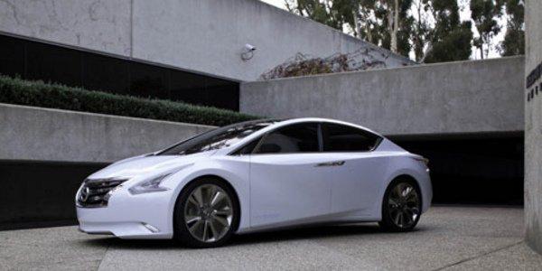 Nissan Ellure : berline du futur