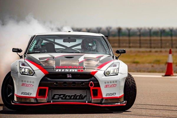 Nissan GT-R Nismo : un record tout en glisse