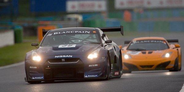 La Nissan NISMO GT-R GT3 entre en piste