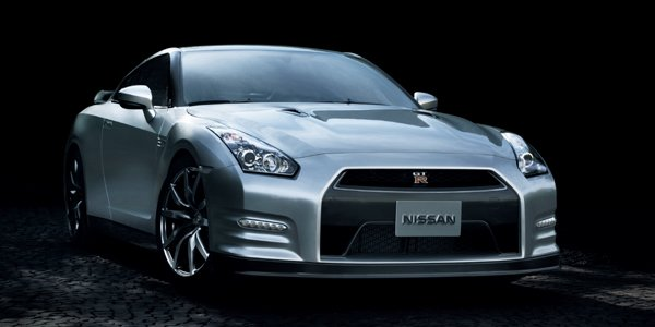 Nissan GT-R 2013 : retouches discrètes