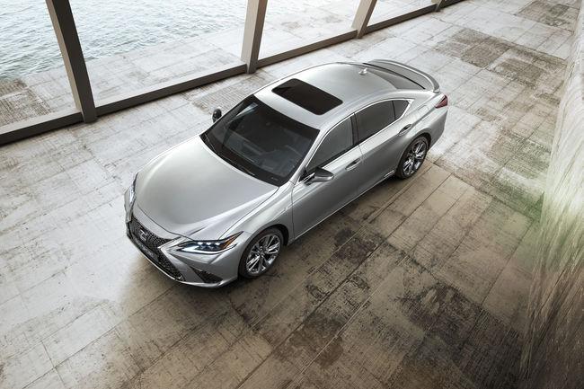 Nouvelle Lexus ES 300h