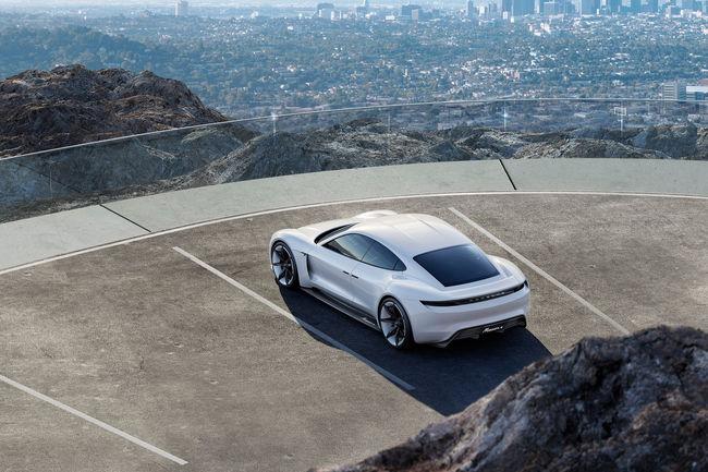 Porsche va investir 6 milliards d'euros dans l'électrique