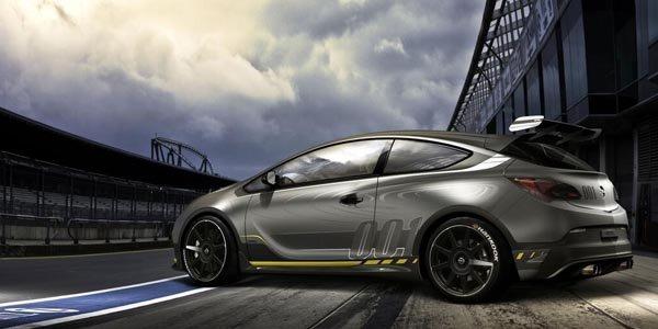 Une Opel Astra OPC Extrême pour Genève