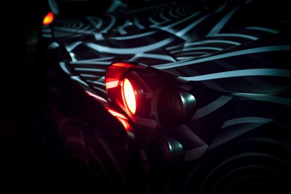 Nouveau teaser pour la Pagani Huayra Roadster