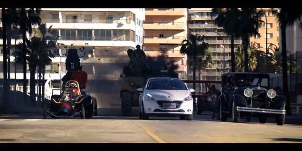 La Peugeot 208 et les fous du volant