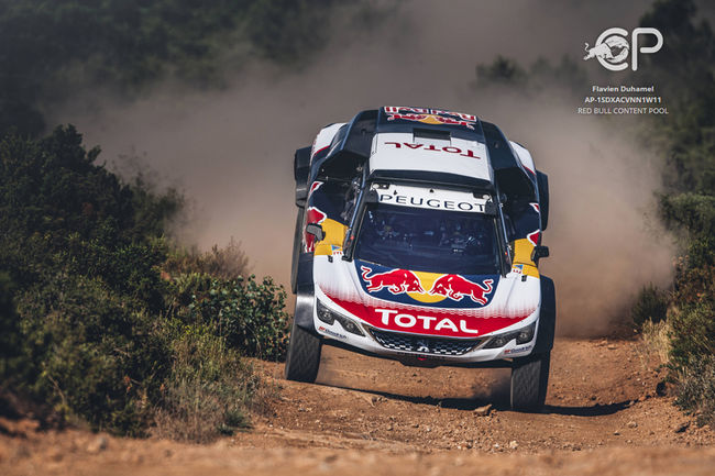 Peugeot Sport dévoile la nouvelle 3008DKR Maxi