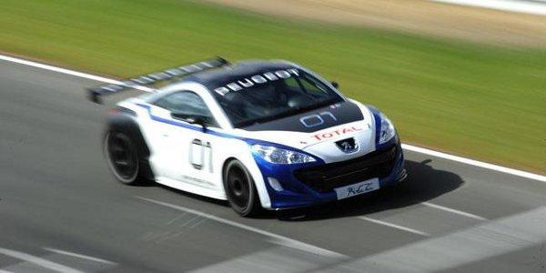 Peugeot Sport présente son RCZ