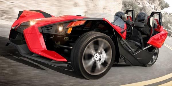 polaris slingshot une surprenante moto 3 roues. Black Bedroom Furniture Sets. Home Design Ideas