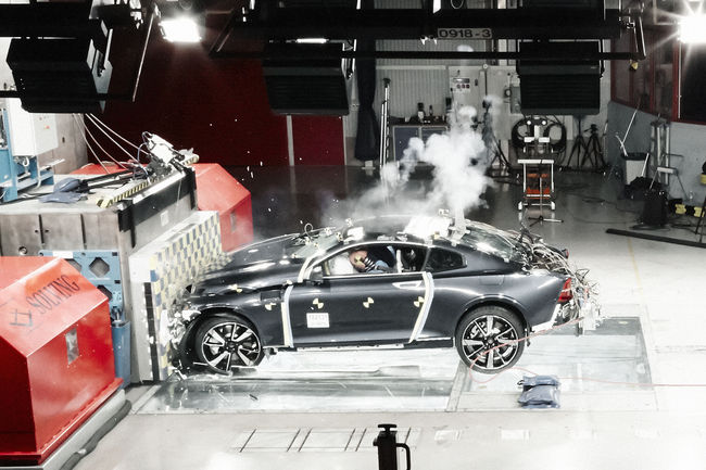 La Polestar 1 passe au crash-test