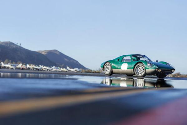 Une Porsche 904 GTS ex-Robert Redford aux enchères